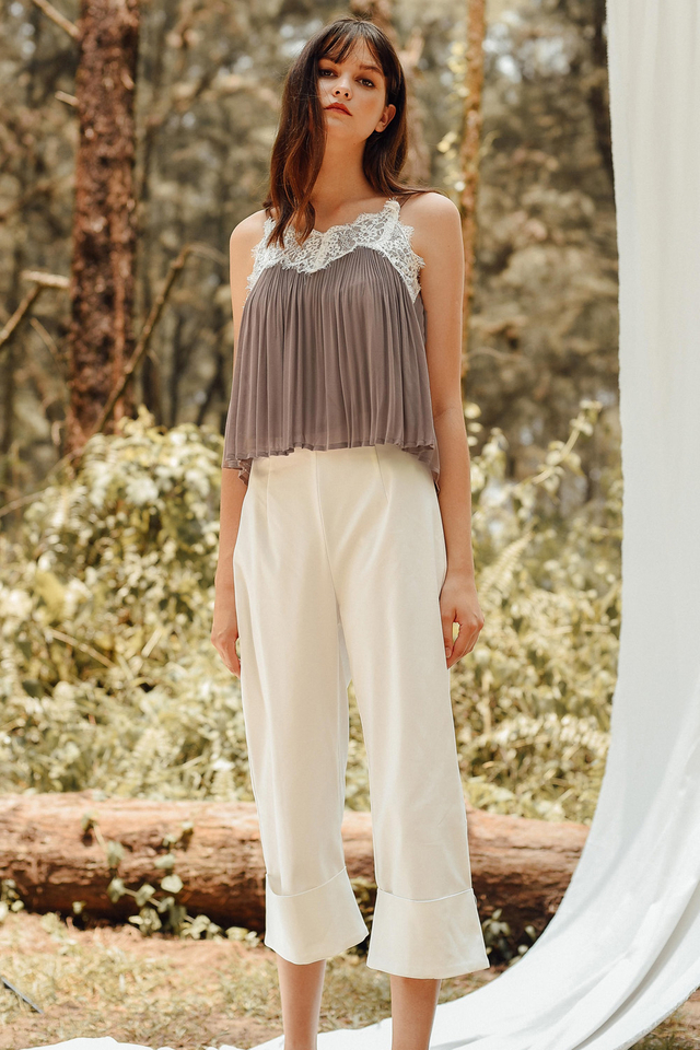 ALIVIA PLEAT TOP IN TAUPE
