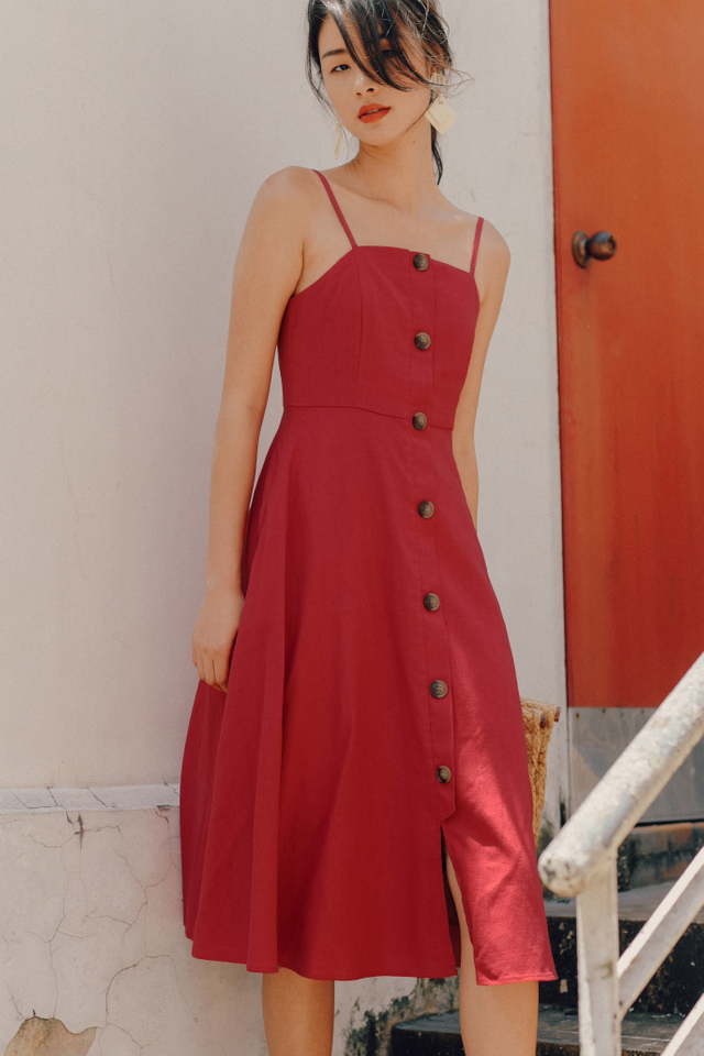 BROOKE BUTTON MIDI IN SCARLET
