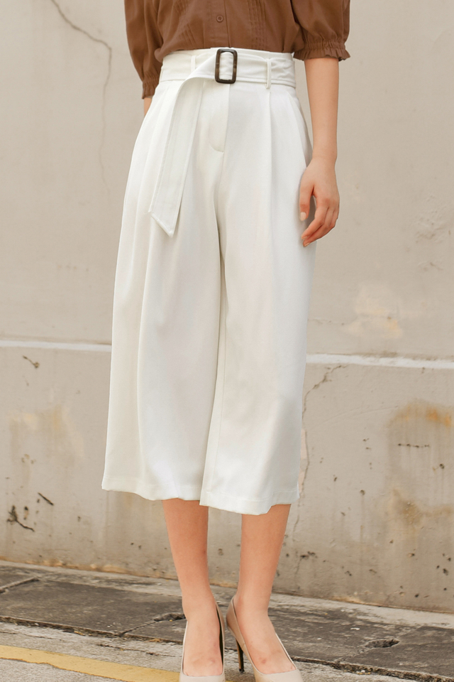 JAN BUCKLE CULOTTES IN WHITE