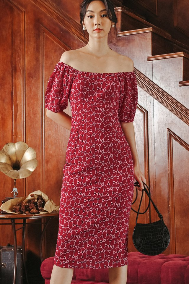 CAIRO OFF SHOULDER MIDI IN RED