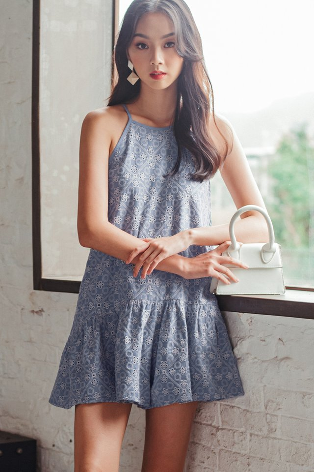 COLVER EMBROIDERY PLAYSUIT IN BLUE
