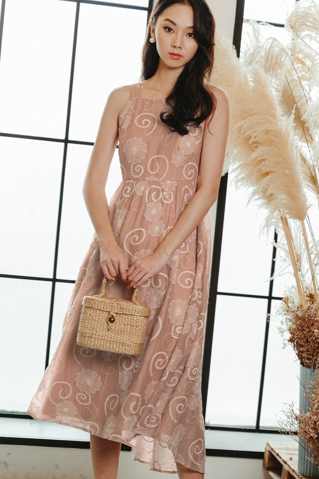 HALEY EMBROIDERY MAXI IN PINK