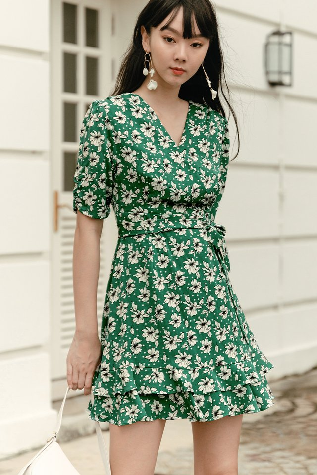 ACIRA WRAP DRESS IN GREEN