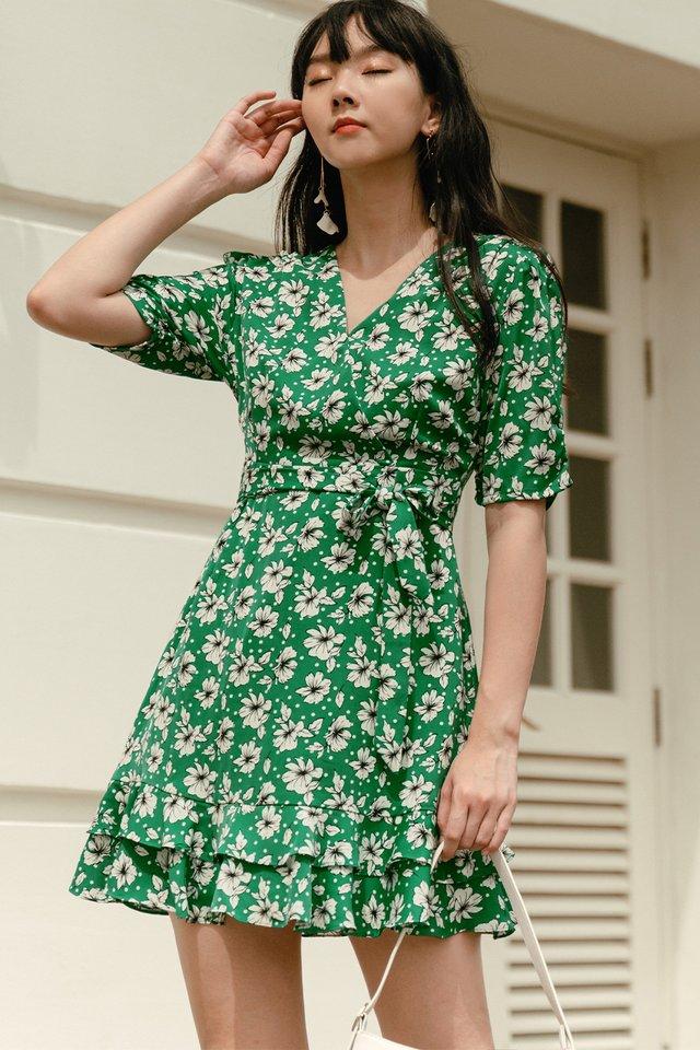 ACIRA WRAP DRESS IN GREEN