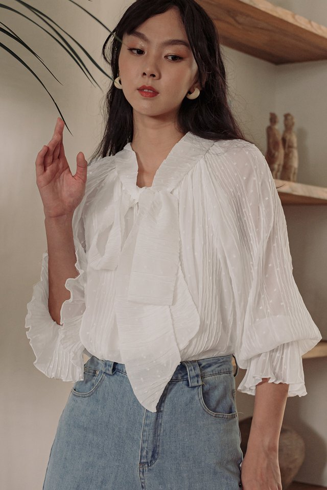 *RESTOCKED* MADDOX CREPE TOP IN WHITE