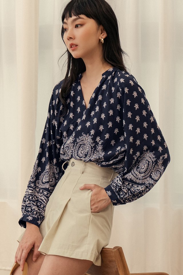 AARIN TOP IN NAVY