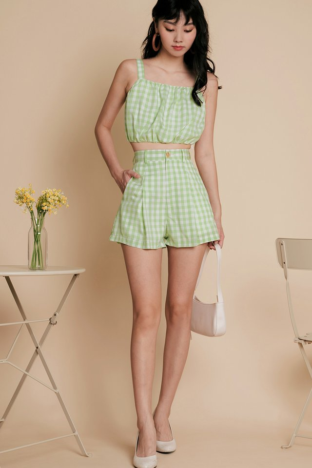 LORNA GINGHAM SHORTS IN APPLE GREEN