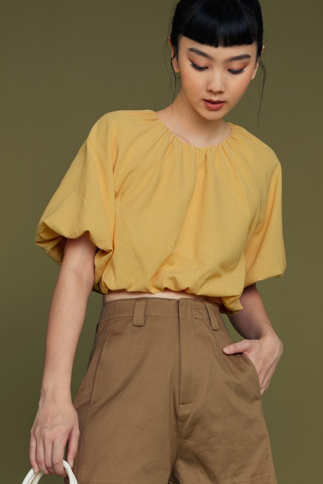 ASHER CREPE TOP IN YELLOW