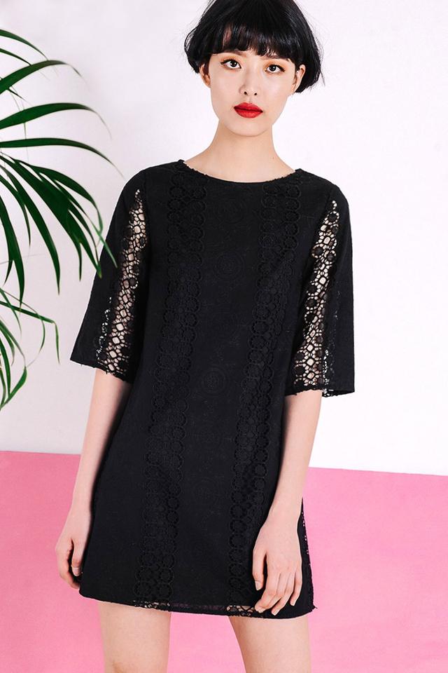 ANTOINETTE CROCHET DRESS IN BLACK