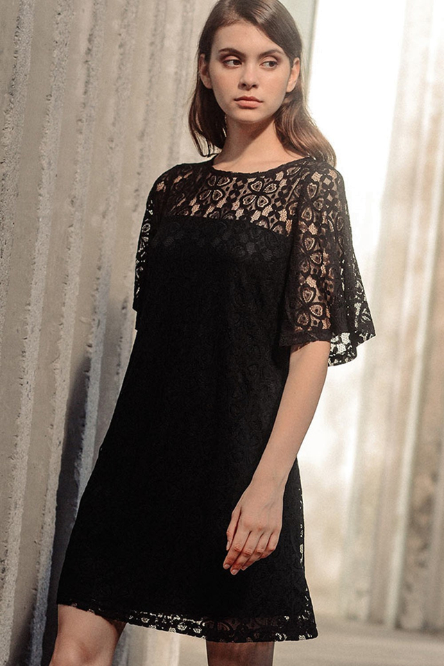 CHADWICK LACE DRESS IN BLACK