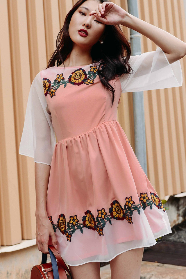 ESTEE EMBROIDERY APPLIQUE DRESS IN PEACH PINK